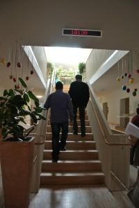 介護施設のメイン階段
